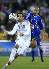 图文:希腊VS阿根廷 贝隆严防对手
