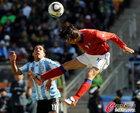 图文:阿根廷4-1韩国 赵容亨飞顶
