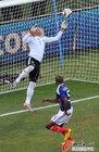 图文:法国1-2南非 约瑟夫斯救险