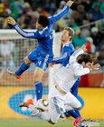 图文:希腊0-2阿根廷 布尔迪索空中争霸