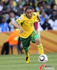 图文:法国1-2南非 皮纳尔突破