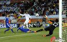 图文:希腊0-2阿根廷 萨马拉斯劲射