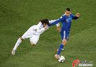 图文:希腊0-2阿根廷 奥塔门迪防守凶狠