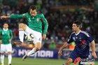 图文:法国0-2墨西哥 托拉多空中控球
