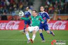 图文:法国0-2墨西哥 托拉多很凶悍