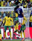 图文:法国1-2南非 古尔库夫犯规