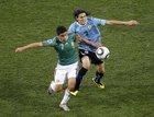 图文:墨西哥VS乌拉圭 巴雷拉受干扰