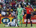 图文:美国VS阿尔及利亚 耶布达吃到黄牌