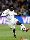 图文:加纳0-1德国 阿萨莫阿带球
