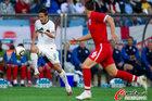 图文:斯洛文尼亚0-1英格兰 柳比扬基奇突破