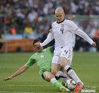美国1-0胜全程回放 布拉德利遭飞铲