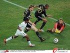图文:加纳0-1德国 默特萨克解围