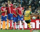 图文:澳大利亚VS塞尔维亚 布雷西亚诺罚任意球