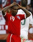 图文:斯洛文尼亚0-1英格兰 迪福错过机会