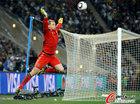 图文:加纳0-1德国 诺伊尔大鹏展翅