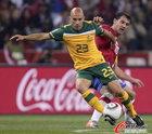 图文:澳大利亚VS塞尔维亚 布雷西亚诺带球