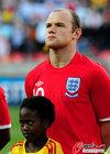 图文:斯洛文尼亚0-1英格兰 鲁尼唱国歌