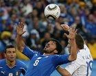 图文:斯洛伐克VS意大利 加图索争顶
