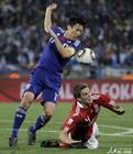 图文:丹麦1-3日本 阿格受伤倒地
