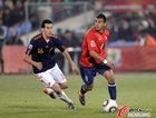 图文:智利VS西班牙 比达尔寻找机会