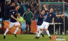 图文:智利VS西班牙 比利亚哈维阿隆索