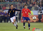 图文:智利VS西班牙 哈维与埃斯特拉达