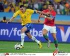图文:葡萄牙0-0巴西 C罗抢球