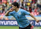 乌拉圭VS韩国 苏亚雷斯亲吻手指