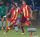 图文:美国VS加纳 阿尤奔跑