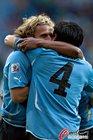 苏亚雷斯进球庆祝 乌拉圭1-0