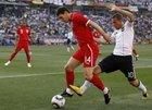 图文:德国VS英格兰 巴里护送皮球出界