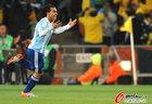 图文:阿根廷3-1墨西哥 兴奋的特维斯