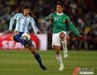 图文:阿根廷VS墨西哥 德米凯利斯停球