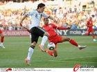 图文:德国VS英格兰 厄齐尔前进