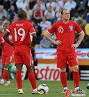 图文:德国VS英格兰 鲁尼与迪福