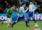 图文:阿根廷3-1墨西哥 梅西突破