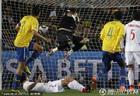 图文:巴西3-0智利 胡安势大力沉的头球