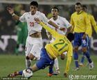 图文:巴西3-0智利 尼尔马放铲防守