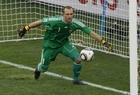 图文:荷兰2-1斯洛伐克 斯特克伦博格扑救