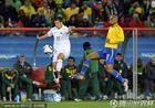 图文:巴西3-0智利 麦孔右路铁闸