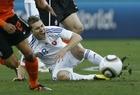 图文:荷兰2-1斯洛伐克 延德里谢克痛苦倒地
