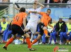 图文:荷兰VS斯洛伐克 延德里谢克被夹防