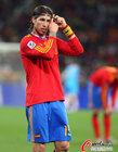 图文:西班牙1-0葡萄牙 拉莫斯整理头发