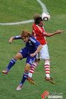 图文:巴拉圭5-3日本 大久保嘉人被压制