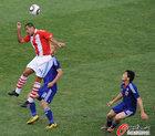 图文:巴拉圭5-3日本 达席尔瓦飞顶