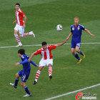 图文:巴拉圭5-3日本 博内特飞顶