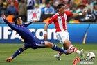 图文:巴拉圭VS日本 巴里奥斯突破