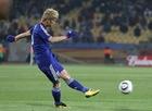 2010年6月24日 小组赛对阵丹麦 惊天任意球