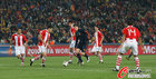 图文:巴拉圭0-1西班牙 托雷斯一对五