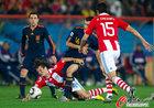 图文:巴拉圭0-1西班牙 布斯克茨呼喊